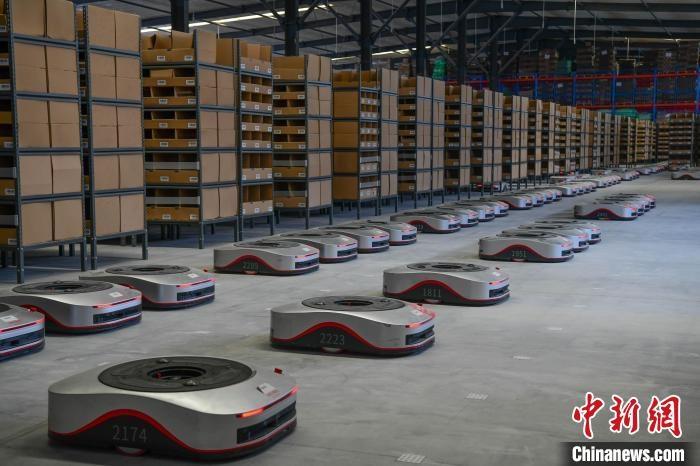 搬运型机器人助力西藏电商物流升级多地订单可实现当日达